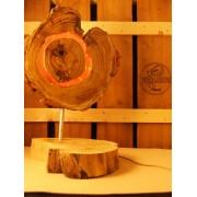 Lamp van acacia met ingegoten jaarringen rood | Woodlightz